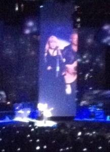 """Stevie Nicks and Lindsey Buckingham perform """"Landslide"""""""
